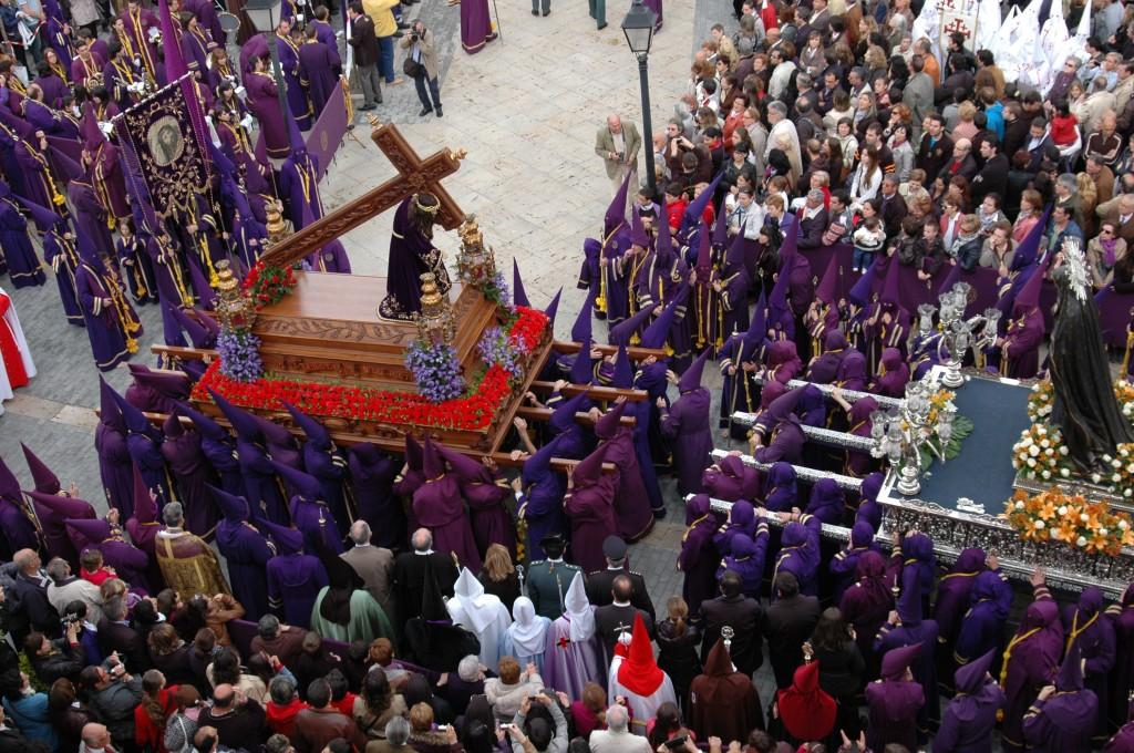 DESPEDIDA DE N.P. JESÚS NAZARENO A N.M. LA VIRGEN DE LA AMARGURA AL TERMINO DE LA PROCESIÓN DE LOS PASOS