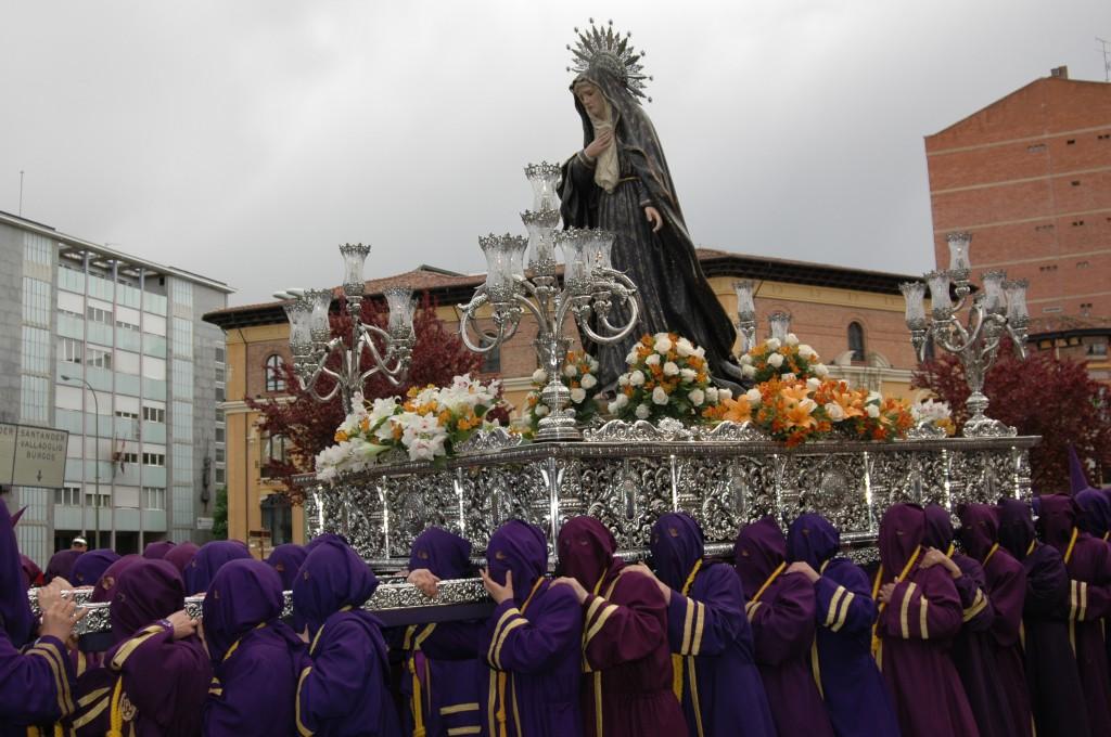 NUESTRA MADRE LA VIRGEN DE LA AMARGURA DURANTE LA PROCESIÓN DE LOS PASOS